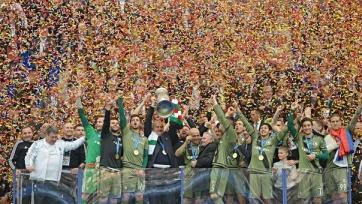 Черчесов отпраздновал с командой победу в Кубке Польши (видео)