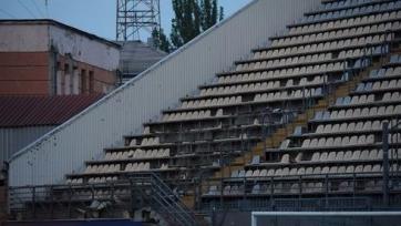 Роман Зозуля напал на арбитра, болельщики «Днепра» разгромили «Славутич-Арену»