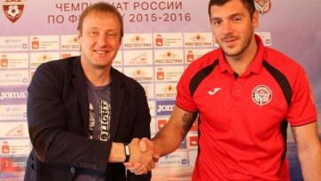 Официально: Хомич продлил контракт с «Амкаром»