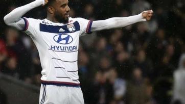 Брат Александра Ляказетта заявил, что футболист «Лиона» не против попробовать себя в ПСЖ