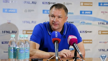 Наставник «Волги» Максимов ответил журналистам матерным стихотворением