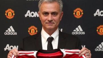Официально: Жозе Моуринью возглавил «Манчестер Юнайтед»