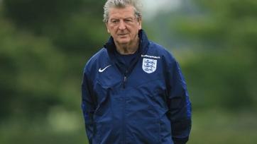 Гари Невилл считает, что Ходжсон должен продолжить тренировать сборную Англии и после ЧЕ
