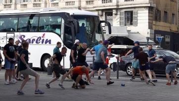 В Марселе творятся беспорядки, учинённые фанатами сборных России и Англии