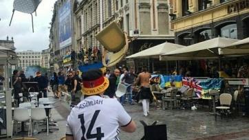 Немецкие фанаты атакуют болельщиков сборной Украины (видео)