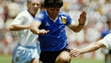 Диего Марадона отметил тридцатилетие с одного из самых скандальных матчей в истории футбола