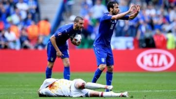 Английские болельщики раскритиковали Фабрегаса за симуляцию