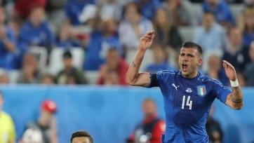 Стураро вывихнул колено в матче с немцами, но продолжал играть