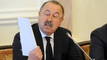 Газзаев: «Почему игроки сборной России стесняются петь свой гимн?»