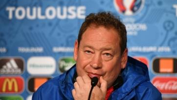 Слуцкий: «Теперь вся страна думает, что все наши футболисты такие, как Кокорин и Мамаев»