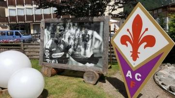 «Фиорентина» установила перед своей тренировочной базой большой плакат в честь Габриэля Батистуты