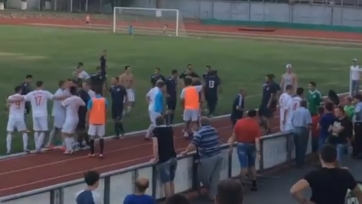 Массовая драка на матче «Волгодонск» - «Родина» (видео)