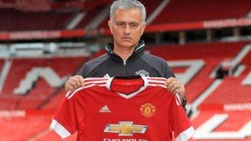 Моуринью выставил на продажу четырёх звёзд «Манчестер Юнайтед»