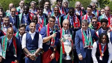 Президент Португалии наградил футболистов, выигравших Евро-2016