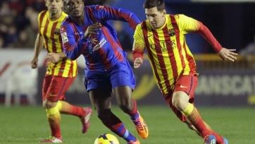 «Анжи» приглашает полузащитника «Леванте» и сборной Мозамбика