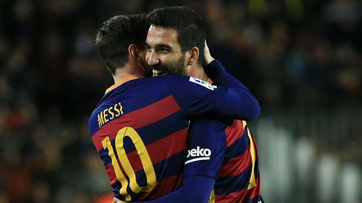 ТУРАНуть или оставить? Как приход Дениса Суареса может прикончить карьеру турка в «Барселоне»