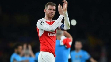 Мертезакер будет носить капитанскую повязку «Арсенала» в следующем сезоне