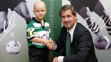«Спортинг» подписал соглашение с пятилетним мальчиком, который болен раком