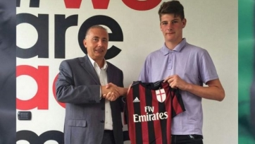 «Милан» подписал контракт с 14-летним голкипером