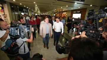 Дик Адвокаат уже в Стамбуле, он готовится к переговорам с «Фенербахче»