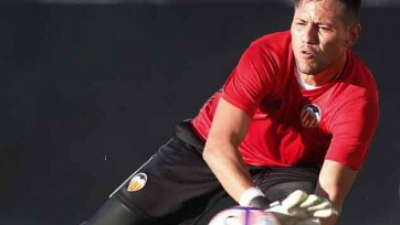 Marca: «Барселона» заменит Браво голкипером «Валенсии»