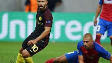 Румынский футболист заявил, что предпочёл бы играть со Станчу, а не с Агуэро