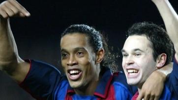 Иньеста поделился историей о том, как Роналдиньо хотел перейти в «Реал»