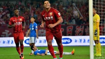 Халк забил два гола в матче с «Бэйцзин Гоань»