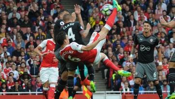 «Тоттенхэм» разгромил «Сток», «Арсенал» вырвал три очка в схватке с «Сотоном»