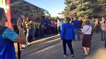 Фанаты тепло встретили футболистов «Ростова», вернувшихся домой
