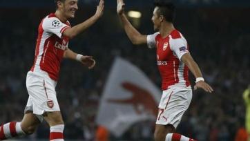 «Арсенал» уверен, что сможет сохранить Озила и Санчеса