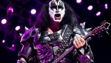 Музыканты рок-группы KISS будут болеть за «Челси» и поддержали в твиттере «синих»