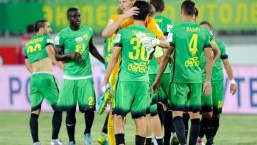 «Анжи» спасся от поражения в матче с «Зенитом», проигрывая два мяча