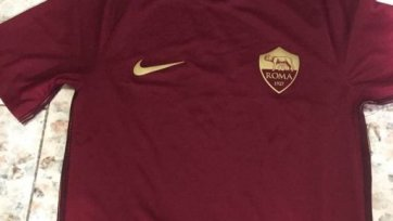 «Рома» представила футболки, в которых её футболисты будут выступать лишь в римском дерби