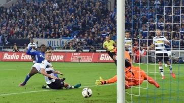 «Шальке» одержал первую победу в сезоне, крупно переиграв гладбахскую «Боруссию»