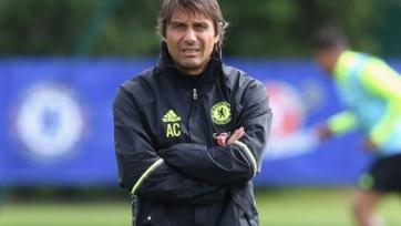 «Челси» опроверг сведения об увольнении Конте