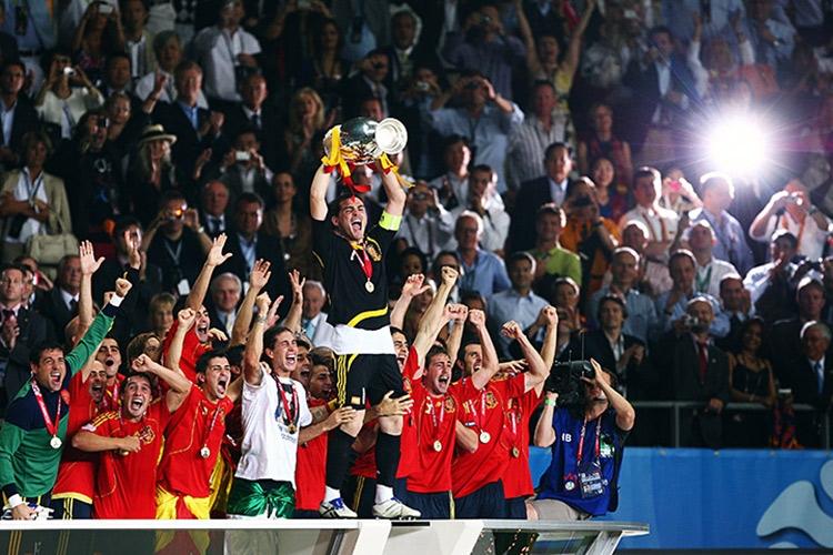 Лучшие из лучших: Топ-15 величайших игроков сборной Испании
