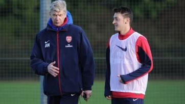Венгер: «Озил напоминает Бергкампа и может стать легендой «Арсенала»