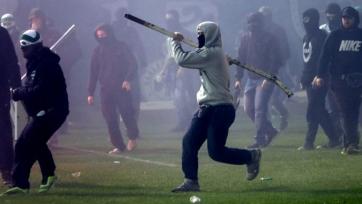 Греческие футбольные хулиганы подожгли дом главы судейского комитета