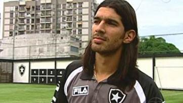 Уругвайский нападающий поставил рекорд мирового футбола, 28 раз за всю карьеру сменив команду