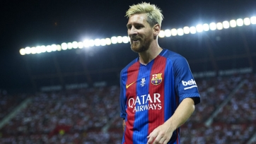 Месси стал первым игроком в истории футбола, забившим 100 голов в международных клубных турнирах