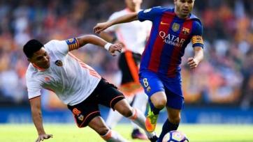 Энрике подтвердил, что у Иньесты есть шансы сыграть с «Реалом»