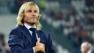 Итальянская федерация футбола дисквалифицировала Недведа