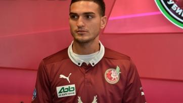 «Локомотив» предложил «Рубину» три миллиона евро за Оздоева