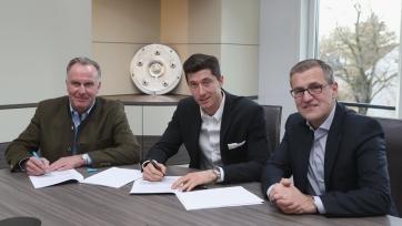 Официально: Левандовски продлил контракт с «Баварией» до 2021-го года
