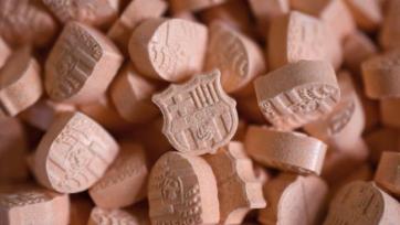 Полиция немецкого Кёльна задержала партию таблеток «экстази» в форме эмблемы «Барселоны»