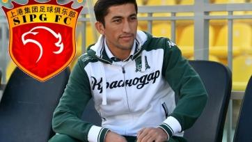 Официально: Ахмедов продолжит карьеру в «Шанхай СИПГ»