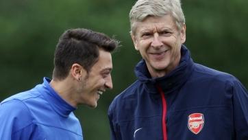 Коллимор: «Арсеналу» стоит принести в жертву Венгера и Озила и пригласить Симеоне»