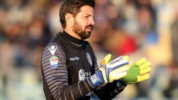Официально: «Милан» подписал контракт с 40-летним голкипером Сторари