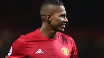 Официально: «Манчестер Юнайтед» и Валенсия заключили новый контракт
